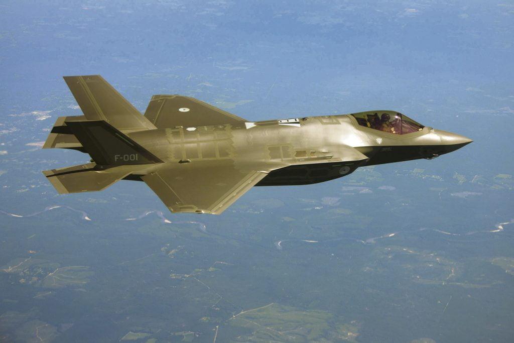 RNLAF_F-35_F-001_01