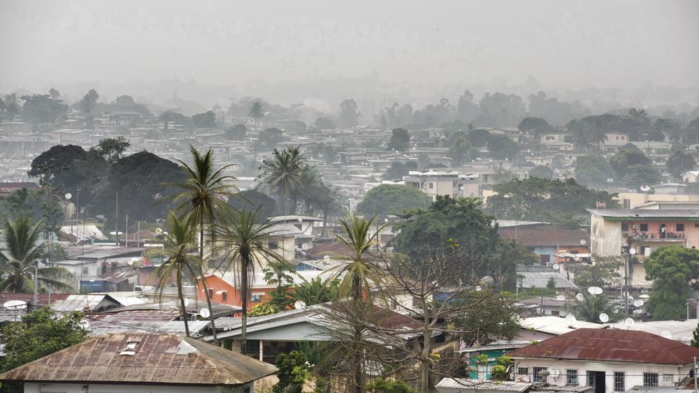 Olivier Piot oli menossa Gaboniin tekemään reportaasia. Hänellä oli etukäteen hankittuina kaikki tarvittavat luvat, mutta hänen saavuttuaan Librevilleen 9. syyskuuta, hänet käännytettiin tylysti takaisin. Kuva: Shutterstock