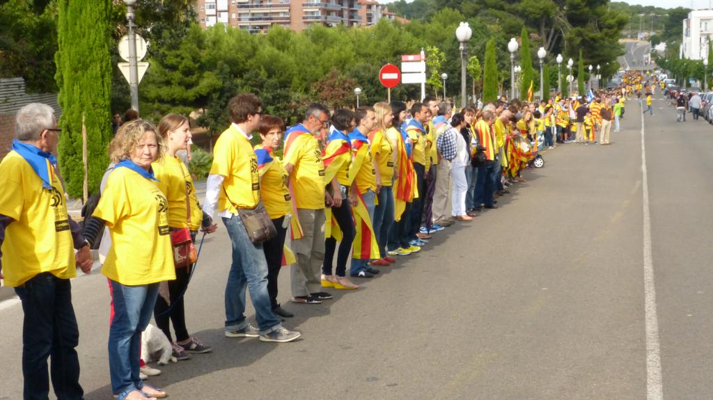 Tram_235_de_la_via_catalana_per_la_independencia_(section_235_of_the_Catalan_Way_towards_independence)