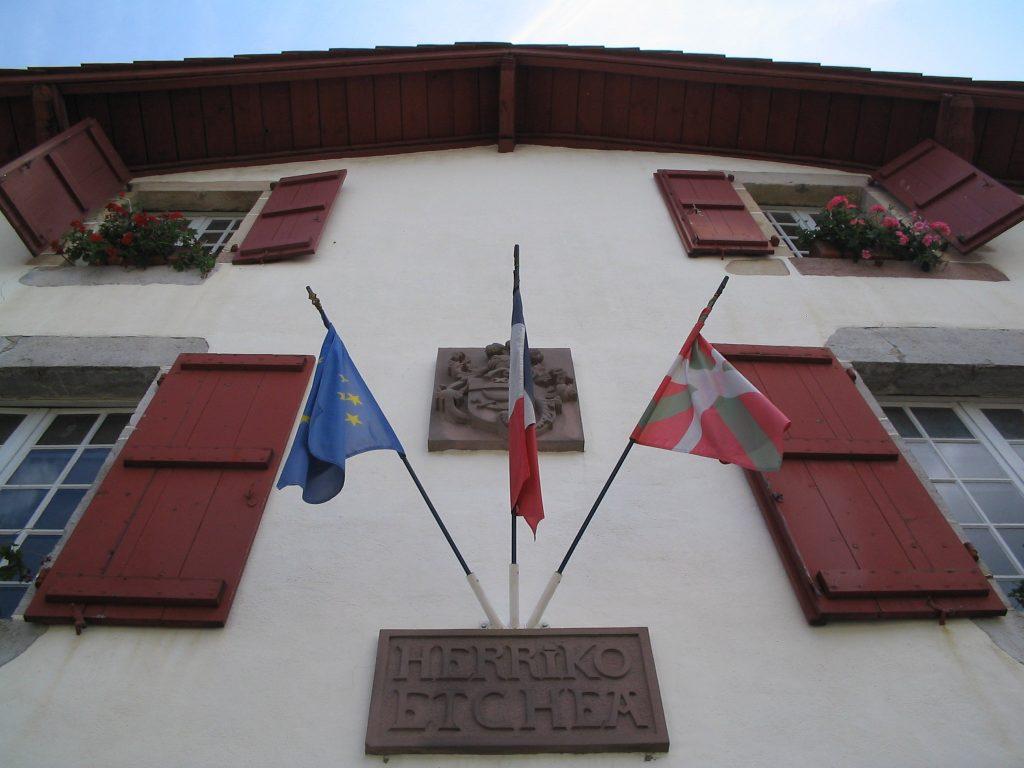Ainhoan kaupungintalo Ranskan Baskimaassa.