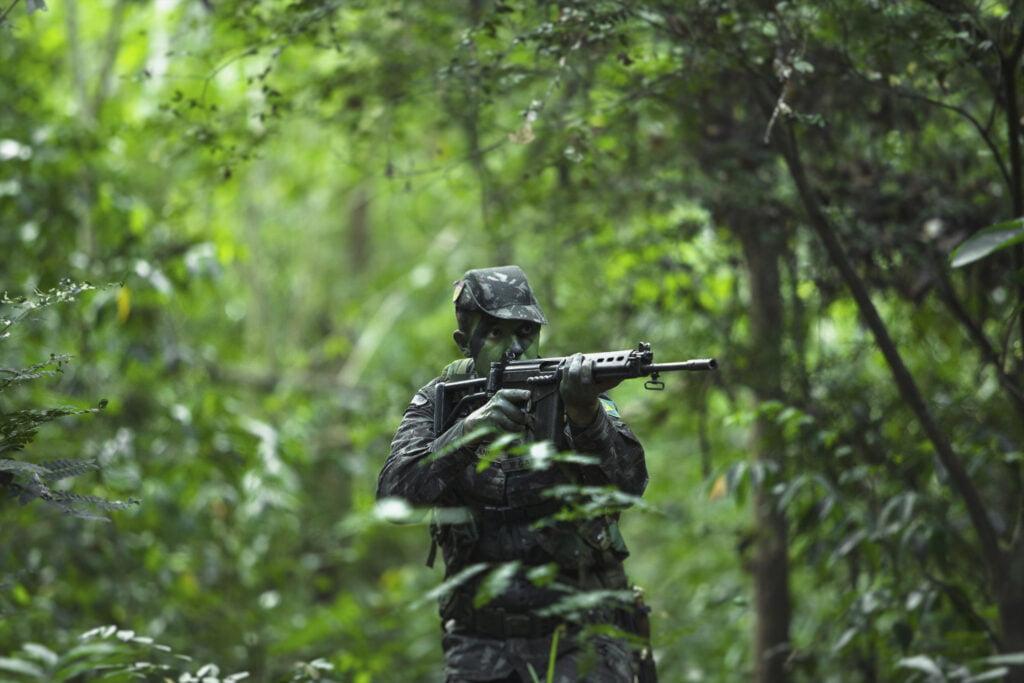 Brasilia, militarisoitu demokratia